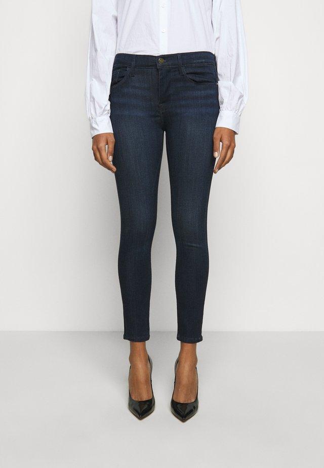 DE JEANNE - Jeans Skinny Fit - verona