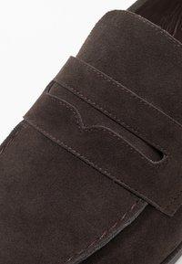 Zalando Essentials - Smart slip-ons - dark brown - 5