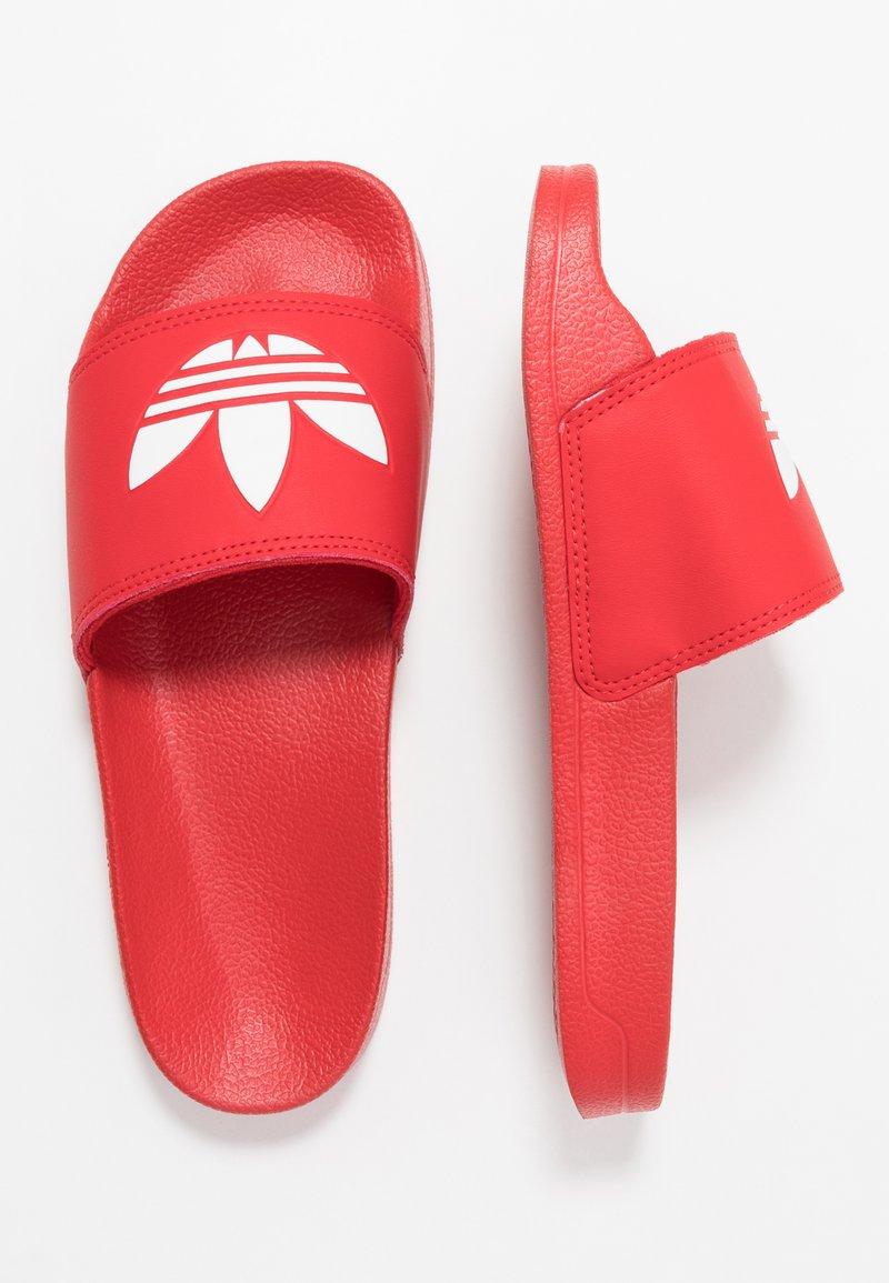 adidas Originals - ADILETTE LITE - Klapki - scarlet/footwear white