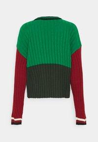 Kickers Classics - CHEST PANEL  - Trui - red/green - 1