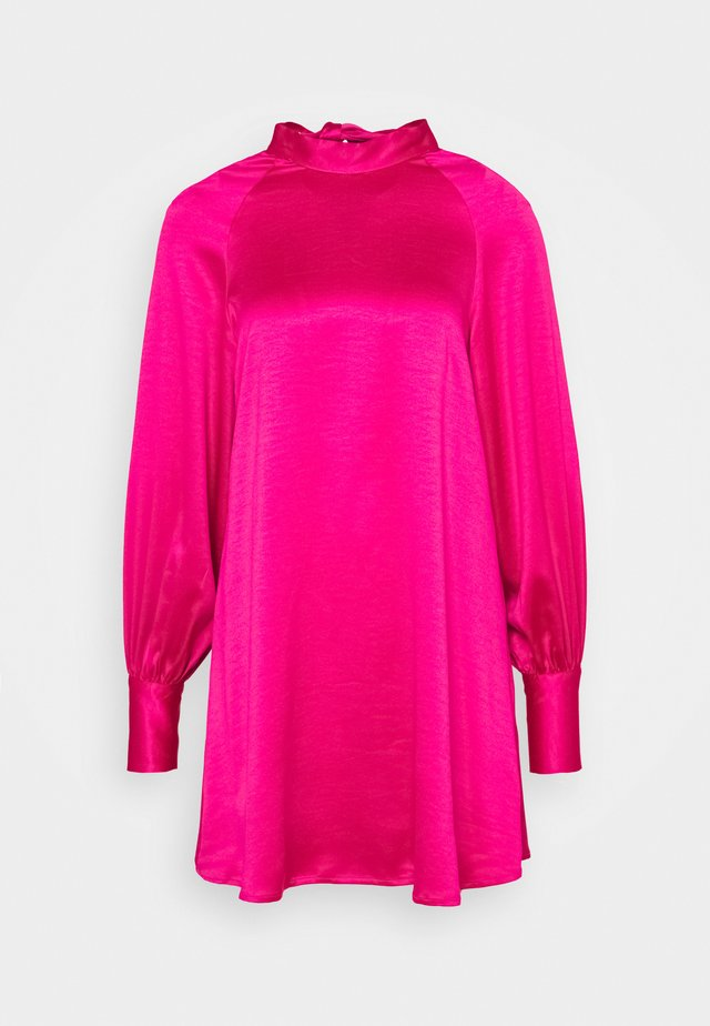 MINI SWING DRESS WITH LONG SLEEVES AND CUT OUT  - Korte jurk - pink sateen