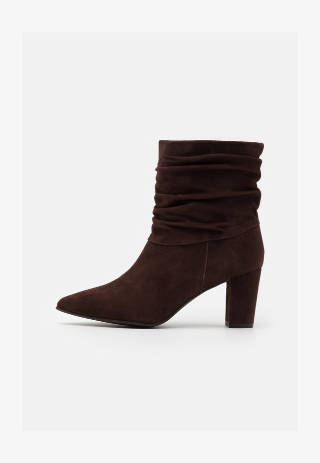 ANDREA - Classic ankle boots - marron