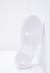 Nike Sportswear - COURT BOROUGH - Sneakers - white - 4