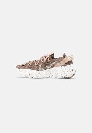 SPACE HIPPIE - Sneakers basse - sand/coconut milk/summit white