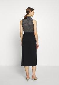 Even&Odd - Midi high slit high waisted skirt - Blyantskjørt - black - 2