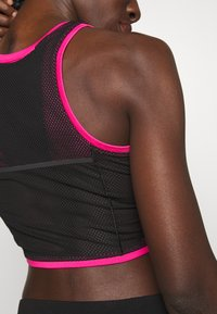 The North Face - WOMENS ACTIVE TRAIL TANKLETTE - Sports shirt - pink/black - 3