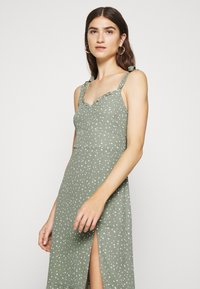 Abercrombie & Fitch - TIE SHOULDER DRESS  - Day dress - green - 3
