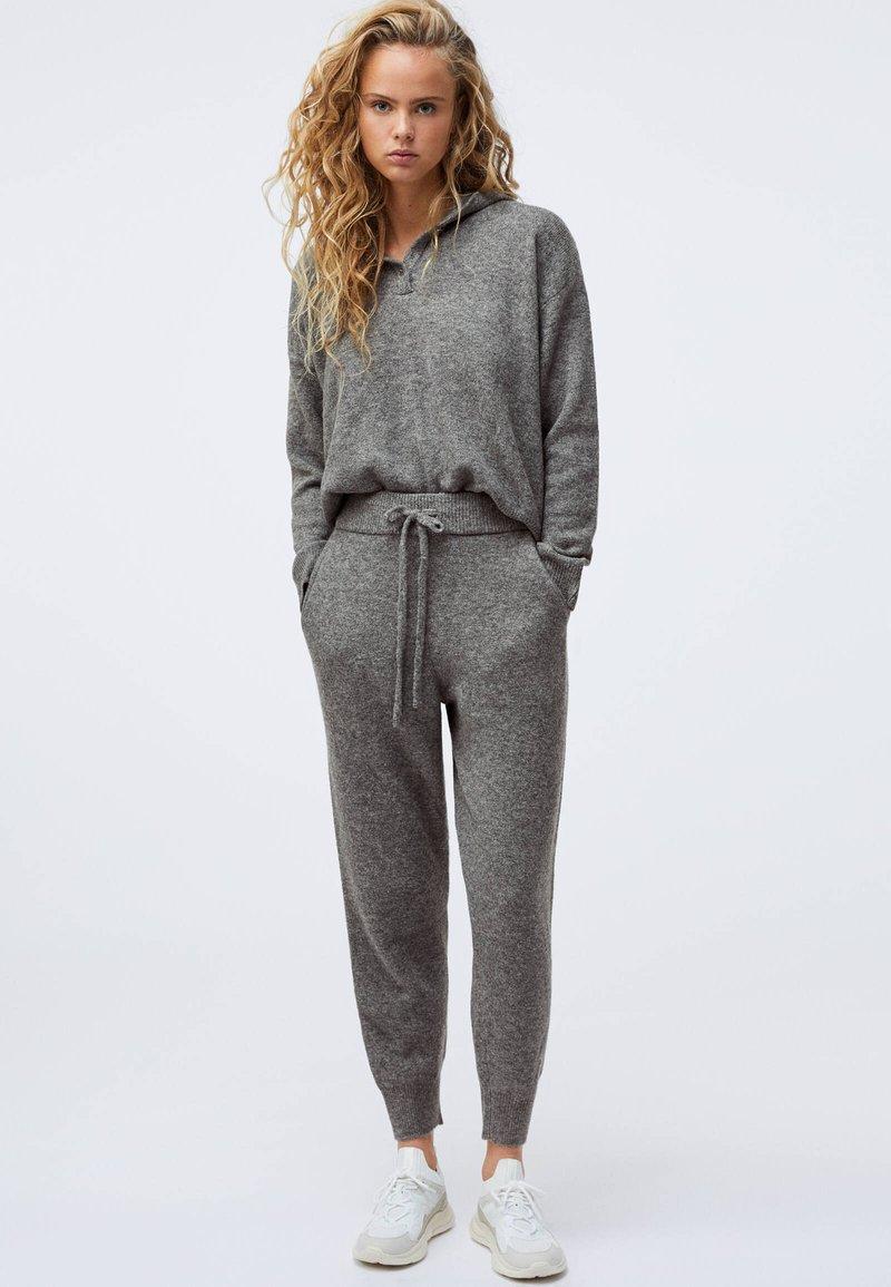 OYSHO - Tracksuit bottoms - grey