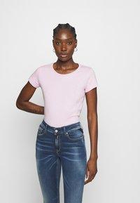 Replay - 2 PACK - T-shirt basic - natural white/quartz rose - 1