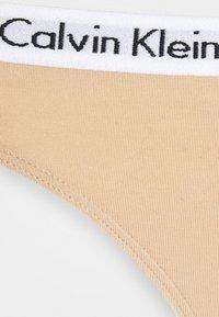 Calvin Klein Underwear - CAROUSEL THONG 3 PACK - Perizoma - black/white/bare - 2