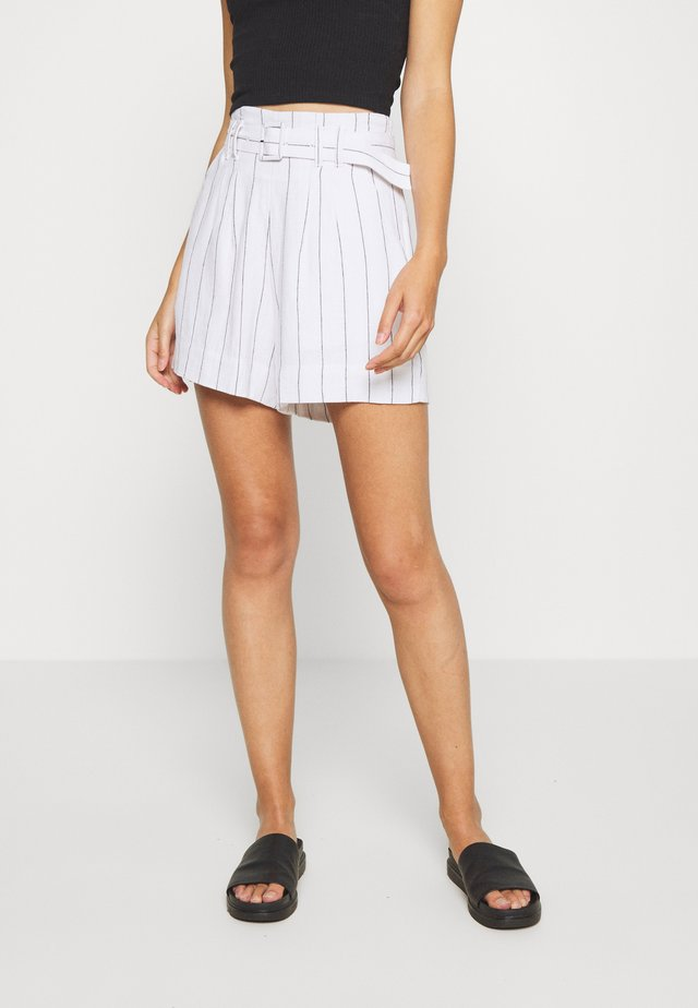 LONG INSEAM STRIPE - Shorts - white/blue