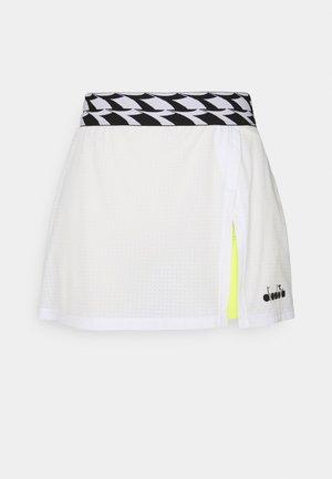 SKIRT - Sportovní sukně - optical white