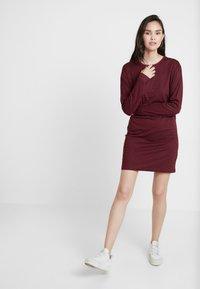 Wemoto - CODE - Jersey dress - black/dark red - 1