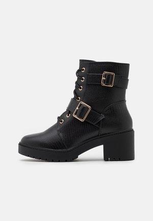 MARLEY BLOCK HEEL CLEAT BOOT  - Platåstøvletter - black
