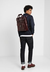 Dr. Martens - SMALL BACKPACK - Rucksack - cherry red cambridge brush