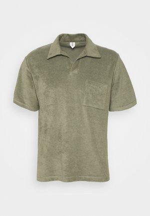 Basic Towelling Polo Shirt - Polotričko - khaki green