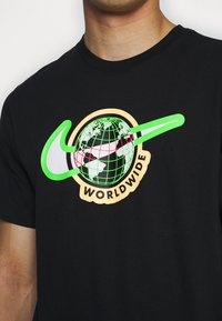 Nike Sportswear - TEE WORLDWIDE - Print T-shirt - black - 5