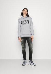 Diesel - D-STRUKT - Skinny džíny - 069rc 02 - 1