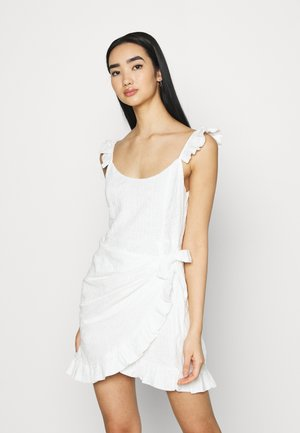 EMBROIDERED FLOUNCE DRESS - Cocktail dress / Party dress - white