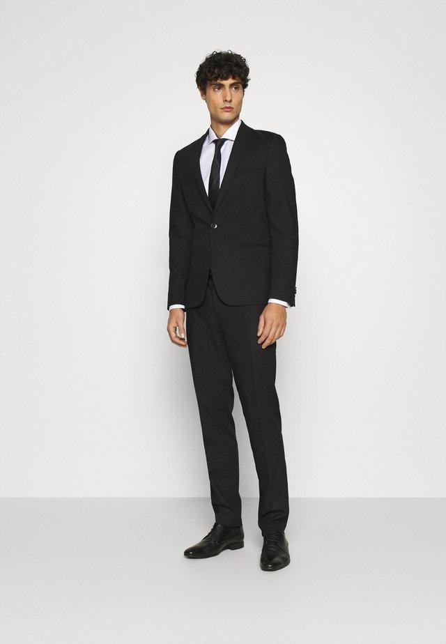 NEW GOTHENBURG SUIT - Costume - black