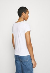 Abercrombie & Fitch - ICON CREW NECK TEE - Basic T-shirt - white - 2