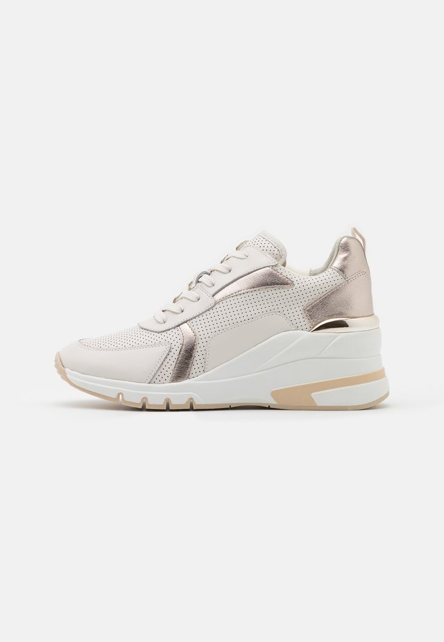 LACE UP - Sneakers laag - creme/platin