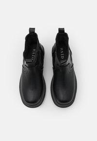 RAID - BRAZEN - Kotníkové boty na platformě - black - 5