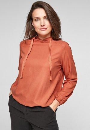 Sweater - dark orange