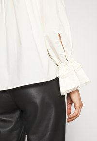By Malene Birger - OLGASSON - Blouse - cream - 5