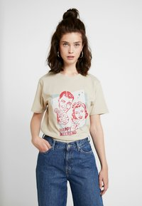 Merchcode - LADIES HAPPY WEEKEND TEE - Print T-shirt - sand - 0