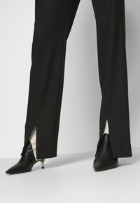 BLANCHE - HOPE PANTS - Pantaloni - black - 3