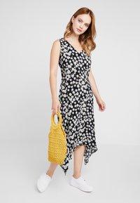 Wallis Petite - DAISY HANKY HEM DRESS - Maxi dress - black - 1