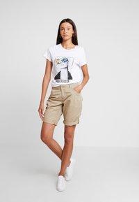 s.Oliver - Shorts - beige - 1