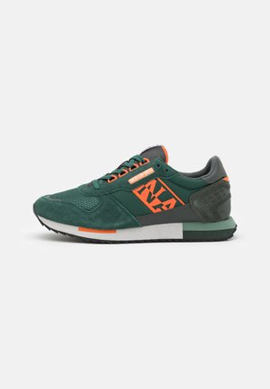 VIRTUS - Trainers - green depths
