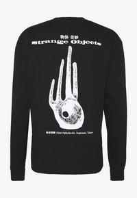 Edwin - STRANGE OBJECTS - Maglietta a manica lunga - black - 1