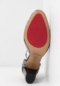 PERLATO - Classic heels - grigio/jamaica noir - 6