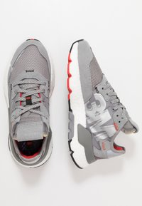 adidas Originals - NITE JOGGER - Sneakers - grey three/footwear white - 1