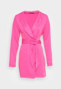 IN THE STYLE - TIE WAIST SATINBLAZER DRESS - Cocktail dress / Party dress - pink - 3