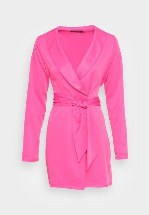 TIE WAIST SATINBLAZER DRESS - Cocktail dress / Party dress - pink