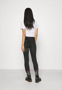 Desigual - LESLIE - Jeans Skinny Fit - denim black wah - 2