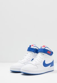 Nike Sportswear - COURT BOROUGH MID UNISEX - High-top trainers - white/game royal/university red - 3