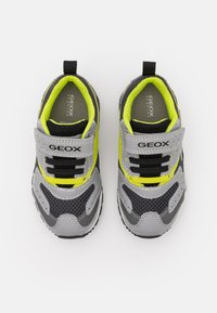Geox - PAVEL - Trainers - grey/lime - 3