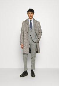 Michael Kors - SLIM FIT SUIT - Suit - grey - 1