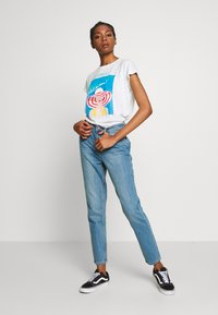 Lost Ink - VINTAGE MOM AUTHENTIC - Relaxed fit jeans - mid denim - 1