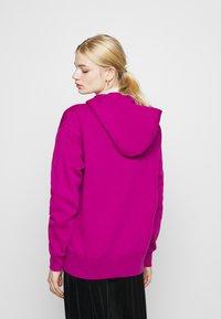 Nike Sportswear - HOODIE TREND - Sweat à capuche - cactus flower/white - 2