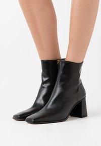 Shoe The Bear - AGATA  - Classic ankle boots - black - 0