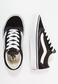 Vans - OLD SKOOL - Sneakersy niskie - black/true white - 7