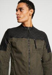 Be Edgy - BEPURE - Summer jacket - khaki /black - 4