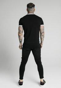 SIKSILK - STRAIGHT HEM GYM TEE - Print T-shirt - black - 2