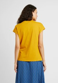 KIOMI TALL - Basic T-shirt - golden yellow - 2
